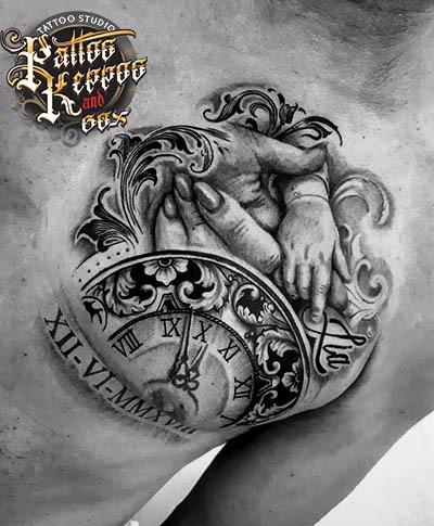 Brust Uhr Kinder Tattoo Tattoo Studio Wien Pattos Keppos