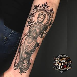 künstlerische Tätowierung Tattoo Studio Wien in vienna Pattos