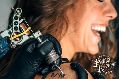 So wählen Sie Ihr erstes Tattoo - Entweder groß oder garnicht