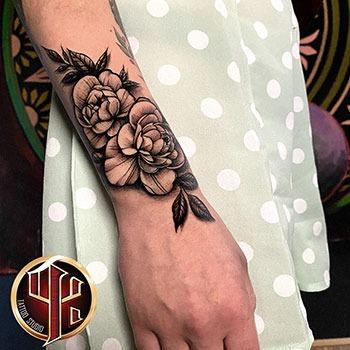Blumen Tattoo made in tattoo studio pattos keppos wien
