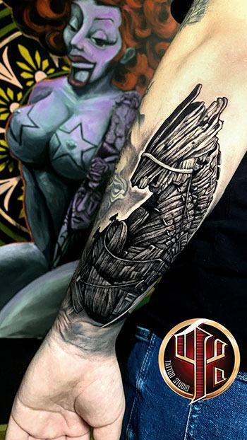 Trojanisches Pferd Tattoo Vienn Tattoo Studio Pattos Keppos stor